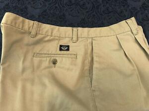 Dockers Pants Mens 44 X 30 Pleated Twill Classic Fit Khaki Pre-owned Hem Frayed