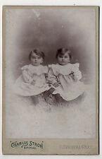PHOTO - CABINET - Deux enfants Jumeaux - Charles STROH à Épinal - Vers 1900