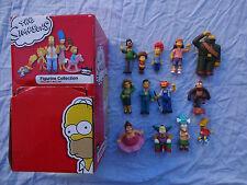 Lot 13 Figurines Simpsons + boite de présentation Bart Krusty