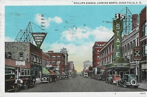 Postcard - Sioux Falls, South Dakota -  Phillips Ave looking North 1933