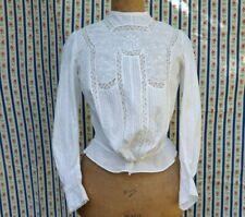 Corsage blouse brodée en voile de coton et fine dentelle vers 1910 - 15243