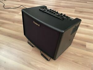 Stereo-Akustik-Amp Roland AC 60, 2 Kanäle - Gitarrenverstärker + Mikrofoneingang