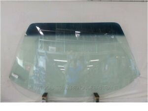 FERRARI 308 DINO GT4 2+2 - 11/1973 to 4/1980 - 2DR COUPE - FRONT WINDSCREEN GLAS
