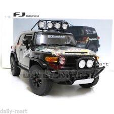 1/18 Scale Toyota FJ Cruiser DieCast Toy Car Model