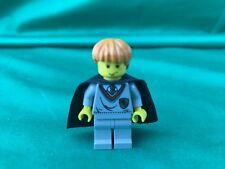Genuine LEGO Harry Potter Ron Weasley Minifigure 4706 Gryffindor Shield Shirt