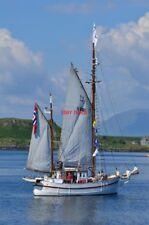 PHOTO  SMALL TALL SHIP IN OBAN BAY THE NORWEGIAN SAILING SHIP AUNO IN OBAN BAY.
