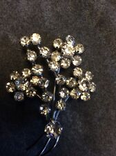 Stunning vintage silvertone flower brooch set with clear rhinestones