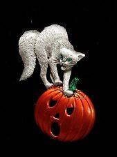"""""""JJ"""" Jonette Jewelry Silver Pewter 'Scared CAT & Pumpkin HALLOWEEN' Pin"""