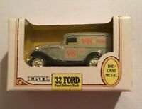 Ertl  V & S Variety Store 1932 Ford Panel Delivery Van 1:25 Locking Coin Bank
