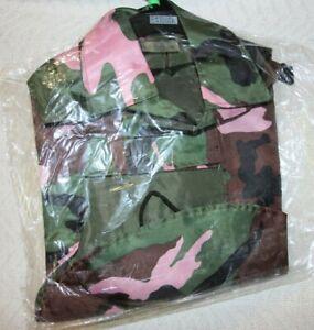 Casual Canine Nylon Green & Pink Camo Dog Rain Jacket Coat Size Small OR Medium