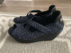 Bernie Mev Womens shoes Peep Toe wedge Sandals sz 37 stretch woven