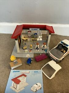 Playmobil Hospital Clinic with Ambulance Set 5012 preowned very good condition