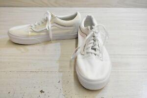 Vans Old Skool Casual Skateboarding Shoes, Men's 8 / Women's 9.5, White