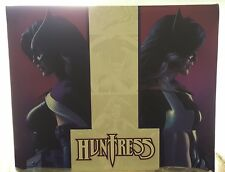 """Sideshow Collectables Premium Format HUNTRESS 23"""" Statue~DC Comics~ NEW Hot Toys"""