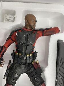 DC Collectibles Suicide Squad Deadshot Statue In Box