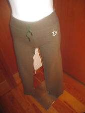 LULULEMON Athletica womens  Pant Yoga workout Sweatpants size 4 Green