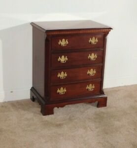 THOMASVILLE 18th Century Collection Mahogany 4 Drawer Bedside Chest Nitestand