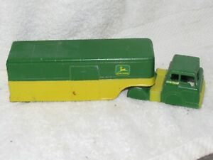 JOHN DEERE (DEMO) 1 OF A KIND 8 X 2 1/4 X 2 PRESS STEEL TRUCK PAT #2775847