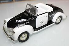 Liberty Classics 1:25 Scale 1940 FORD CONVERTIBLE POLICE