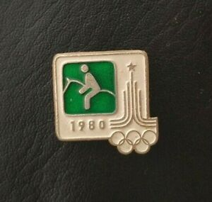 1980 Equestrian XXII Olympic Games Moscow Soviet Pin Badge Sport FEI USSR