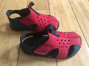 Nike Baby Boys Red/Black Nike Sandals  ~ Size 7