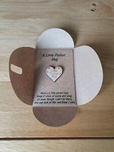 E1 Little Pocket  Hug Card & Envelope Gift Fiends Family Heart Token