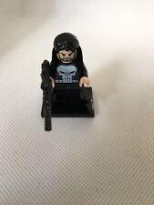 Lego Punisher Mini Figure avec veste et fusil accessoire