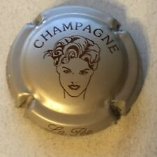 Capsule de champagne CHAMPAGNE COURTY Arlette 9. contour rose