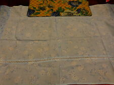 tissus ancien 1m,02x0,60 protége meuble ou petite nappe artisanale +tissu offert