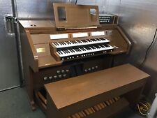 Galanti organ 250 in slightly new condition. bench and extra speakers.