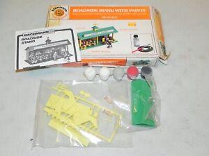Bachmann HO Plasticville Roadside Vegetable Stand Building Kit w/ Paints NIB
