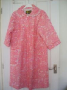 VINTAGE 1960s Quilted Pink nylon, Housecoat, robe,dressing gown, Props
