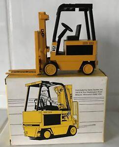 Caterpillar Cat Oldtimer forklift fork lift truck  MINT IN BOX