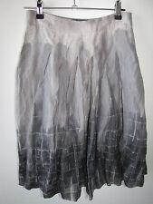 Ladies DAVID LAWRENCE Grey Skirt Size 6