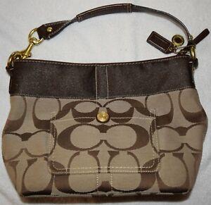 Coach signature Beige purse