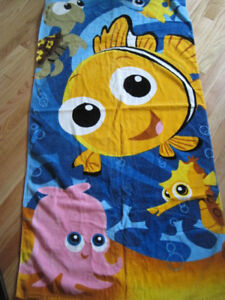 PIXAR Finding Dory Nemo Towel Velour 30x60 Beach BathTowel