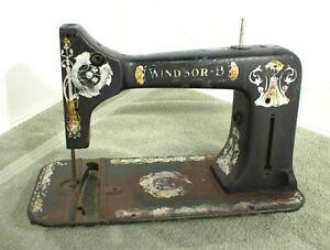 WINDSOR B SEWING MACHINE CASE SHELL HOUSING BODY 2351464 ANTIQUE