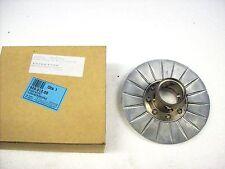 NEU Äußere Riemenscheibe original Malaguti für Madison 250 ccm ET:  92601200