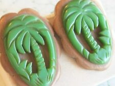 RARE 1930'S WOOD & CARVED GREEN BAKELITE PALM TREE DRESS CLIP PAIR SET 2 CLIPS