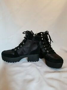 Steve Madden Chunky Suede and Camo Combat boots. Womens 7.5 NEW!