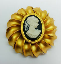 AUTHENTIC Hand Carved CAMEO Brooch - BR659