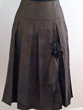 Chic and Sophisticated! Helen Talbot (NZ) size 12 olive skirt NWT RRP $599