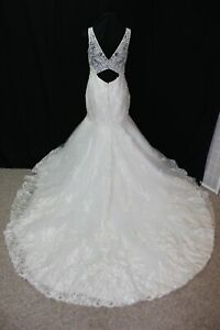 NEW Size 12 All ivory lace/tulle sleeveless bridal gown, mermaid style skirt