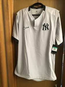 Nike New York Yankees Short Sleeve Pullover Jacket Sz XL NWT Mens Judge Stanton
