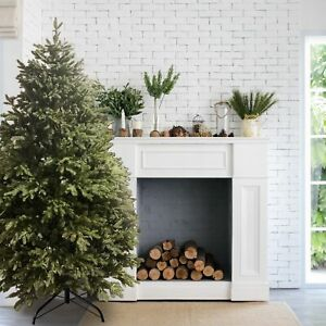 ALEKO Pre-Lit Premium Lush Artificial Holiday Christmas Tree - 7 Foot - Green