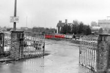 PHOTO  1983 STOKE PRIOR WORCESTERSHIRE ENTRANCE TO BAYER SITE STOKE WORKS THE GA