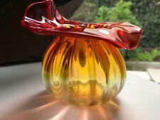 Petit vase à violettes. Verre soufflé .Superbe qualité. 1900