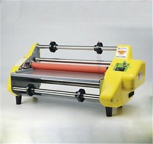 """17.5"""" A2 Roll Laminator Four Roller Hot Cold Laminating Machine For 442Mm Pap ln"""