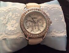 XOXO Women's X09102BU Analog Display Analog Quartz White Watch
