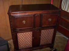 ANTIQUE RCA VICTOR VICTROLA COMBO IN LARGE CABINET!!!